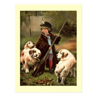 Niño con el rifle y la postal de los perros