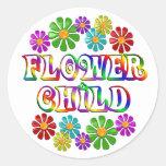 Niño de flor colorido etiqueta redonda