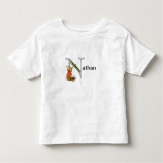 Niño de la letra N de Beatrix Potter y camisa