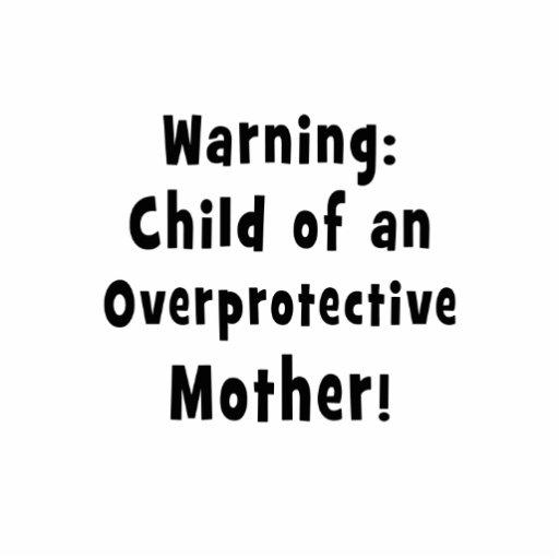 niño de la madre sobreprotectora black.png esculturas fotográficas