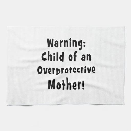 niño de la madre sobreprotectora black.png toalla de cocina