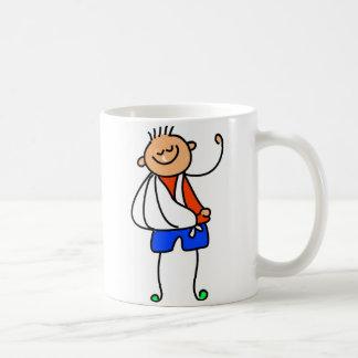 Niño del accidente tazas de café