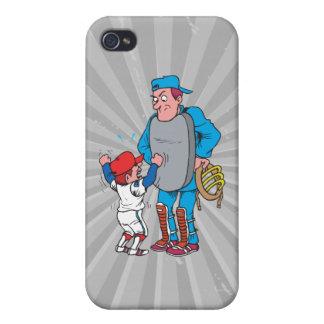 niño del béisbol que discute con el árbitro iPhone 4/4S carcasa