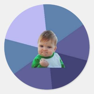 Niño del éxito pegatina redonda