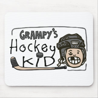 Niño del hockey de Grampy Mousepad