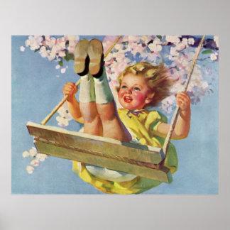 Niño del vintage, chica que balancea en el oscilac poster