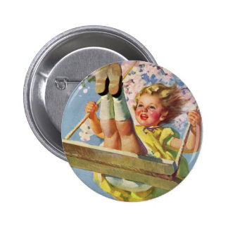 Niño del vintage, chica que balancea en un juego pin redondo 5 cm