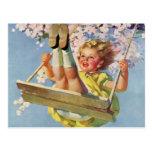 Niño del vintage, chica que balancea en un juego postal