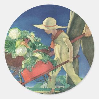 Niño del vintage, el cultivar un huerto orgánico; pegatinas redondas