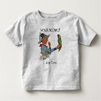 Niño del vintage, muchacho que juega el pájaro del camisetas