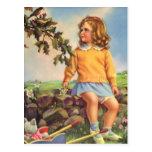 Niño del vintage, pájaros de observación del chica postal