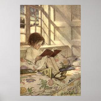 Niño del vintage que lee un libro, Jessie Willcox Póster