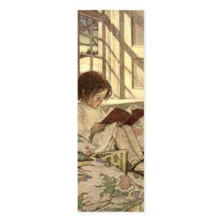 Niño del vintage que lee un libro, Jessie Willcox  Tarjeta De Visita