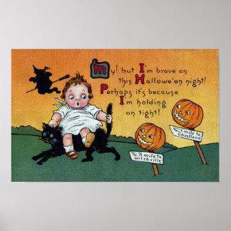 Niño en el vintage Halloween del gato y de los pos Póster