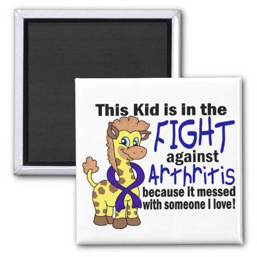 Niño en la lucha contra artritis iman de nevera