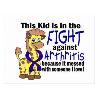 Niño en la lucha contra artritis tarjetas postales
