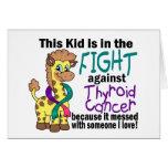 Niño en la lucha contra cáncer de tiroides tarjetón