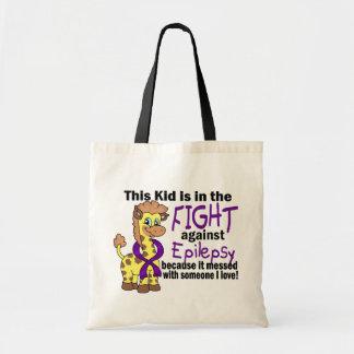 Niño en la lucha contra epilepsia bolsas