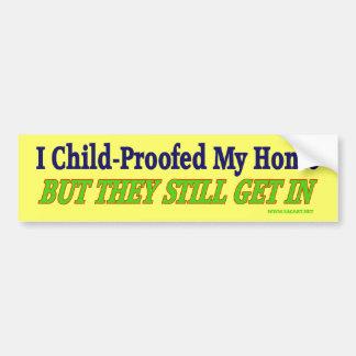 Niño-Impermeabilizó a mi pegatina para el parachoq Etiqueta De Parachoque