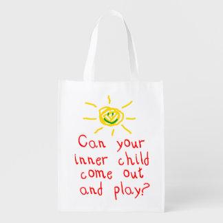 Niño interno bolsas de la compra
