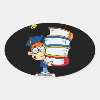 niño lindo del muchacho de la graduación con el pegatina oval personalizadas