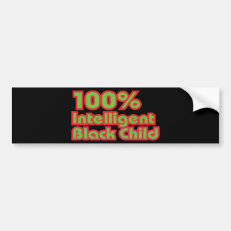 Niño negro inteligente del 100