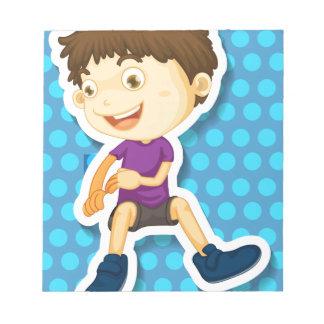 Niño pequeño bloc de papel