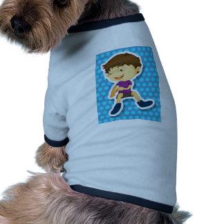 Niño pequeño camiseta con mangas para perro