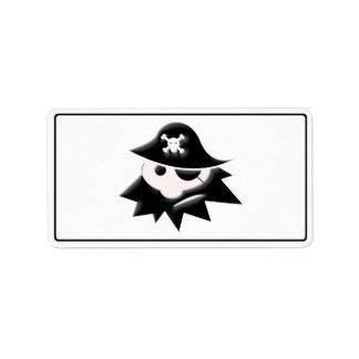 Niño rechoncho del pirata charla como un día del etiqueta de dirección