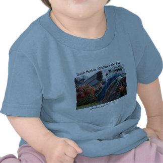 Niño T/puerto holandés, pila neta de Unalaska Camisetas