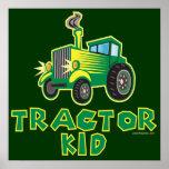 Niño verde del tractor posters