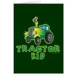 Niño verde del tractor tarjetón