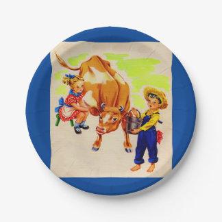niños adorables con la vaca adorable plato de papel de 7 pulgadas