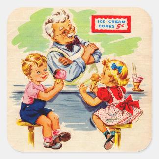 niños adorables en la fuente de soda pegatina cuadrada