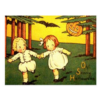 Niños asustadizos de Halloween del vintage retro Postal