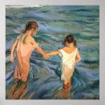 Niños de Joaquín Sorolla y Bastida en el mar Póster