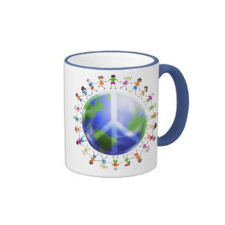 Niños de la paz de mundo tazas