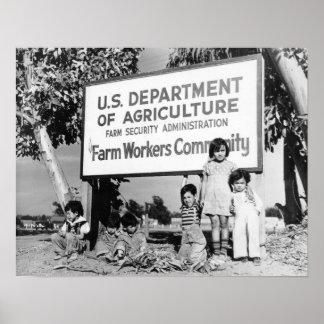 Niños de la zona desértica póster