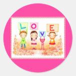 niños del amor etiquetas redondas