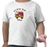 Niños del cumpleaños del coche de bomberos persona camiseta