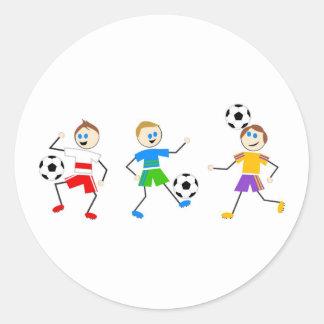 Niños del fútbol pegatinas redondas