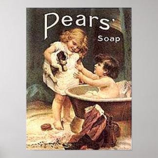 Niños del jabón de las peras que lavan el perro poster