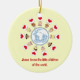 Niños del mundo adorno navideño redondo de cerámica