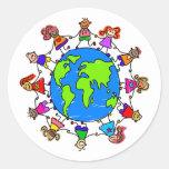 Niños del mundo etiquetas redondas