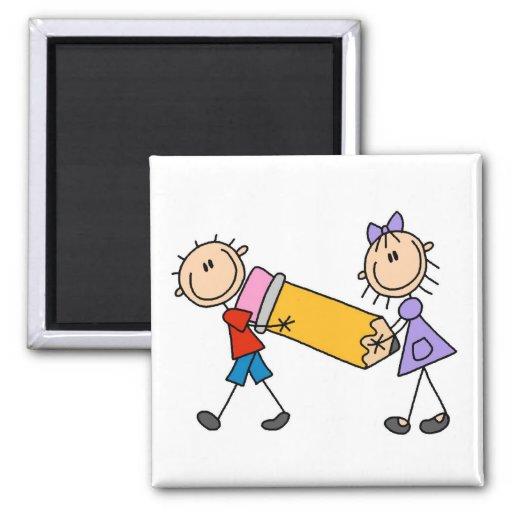 Niños del palillo con el lápiz imanes para frigoríficos