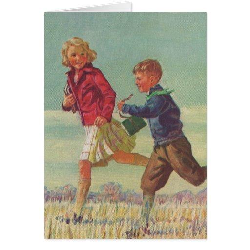 Niños del vintage que corren a los libros que tarjeta