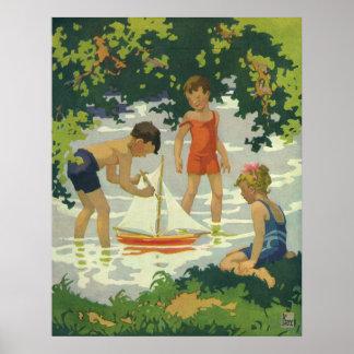 Niños del vintage que juegan la charca del verano póster