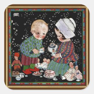 Niños del vintage que tienen una fiesta del té con pegatina cuadrada