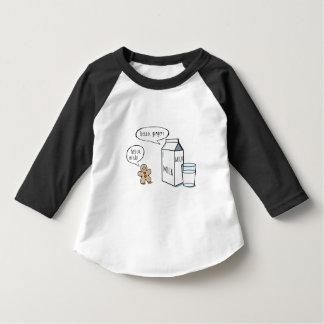 Niños divertidos T blanco de la leche y del Playera