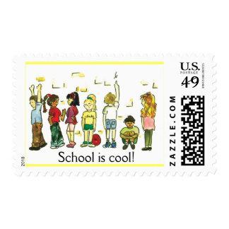 Niños en el juego timbres postales